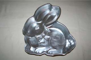 1986 Wilton Easter Bunny Rabbit Bow Cake Pan (retired)