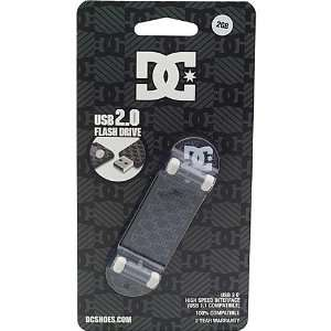 DC Shoes Tech Wreck 2GB USB Flash Drive Electronics