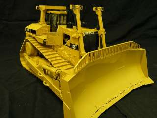 Caterpillar Cat D11R Track type Tractor 124 Scale Classic