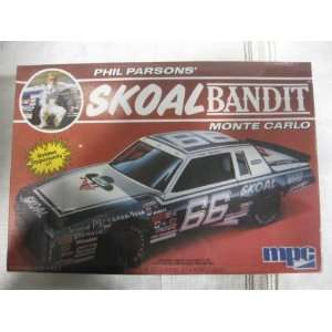 Phil Parsons Skoal Bandit Monte Carlo Model Car Kit 1985