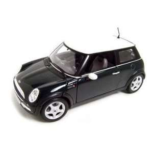 Mini Cooper Green 118 Diecast Model Toys & Games