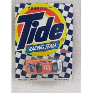 Racing Team Ricky Rudd Ford Thunderbird Diecast Car