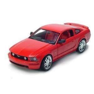 2005 FORD MUSTANG GT 1/18 DIECAST MODEL RED