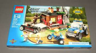 LEGO 4438 Set CITY Building Set Robbers Hideout w Bear Minifigure NEW